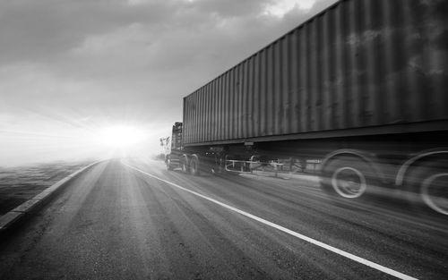 Safe Speed For Semi Trucks